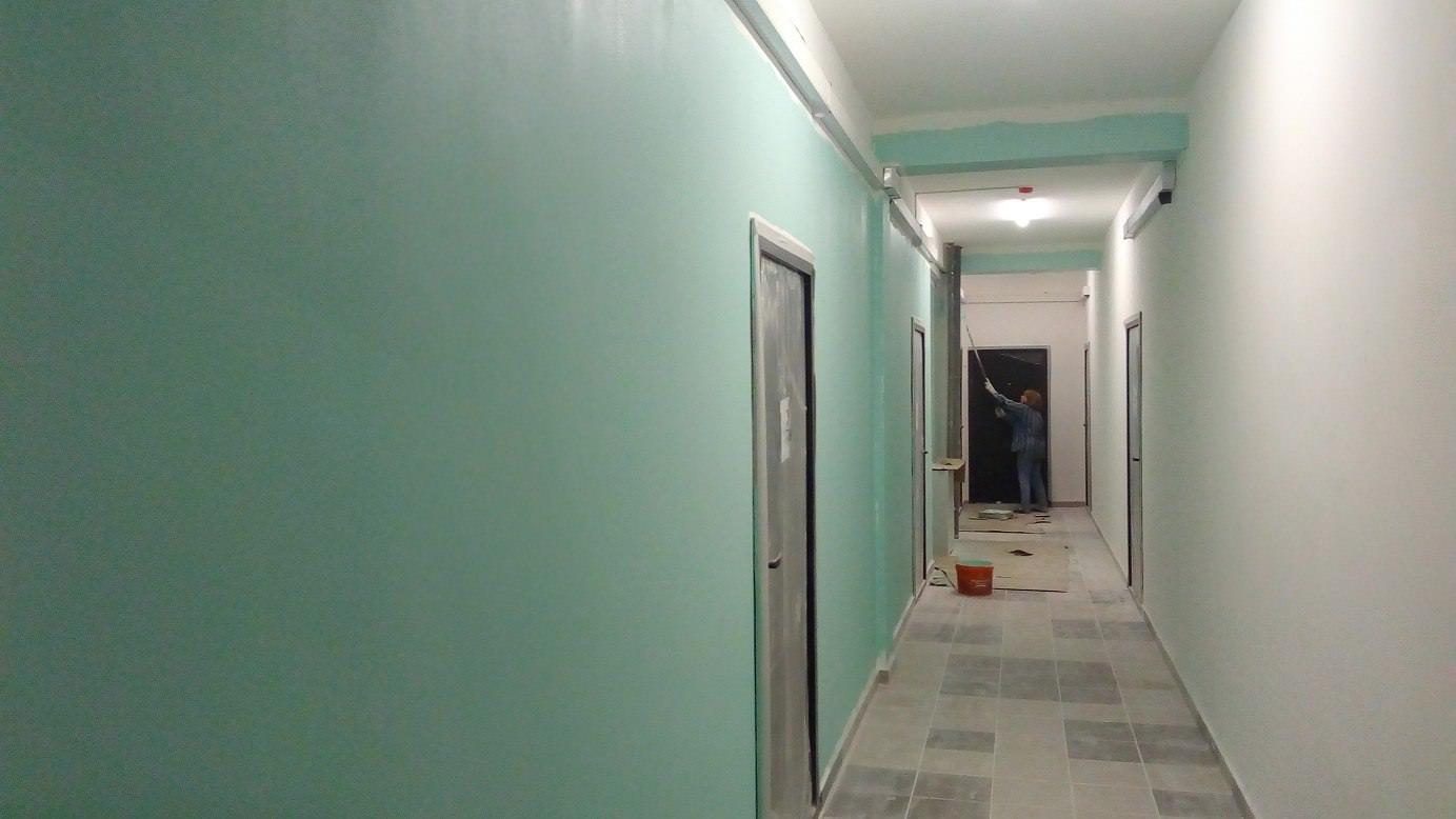 korpus 5 s 1 okras mop - Дом 5 - Продолжается окрас стен в МОПах и окололифтовых холлах 1 и 2 секции.