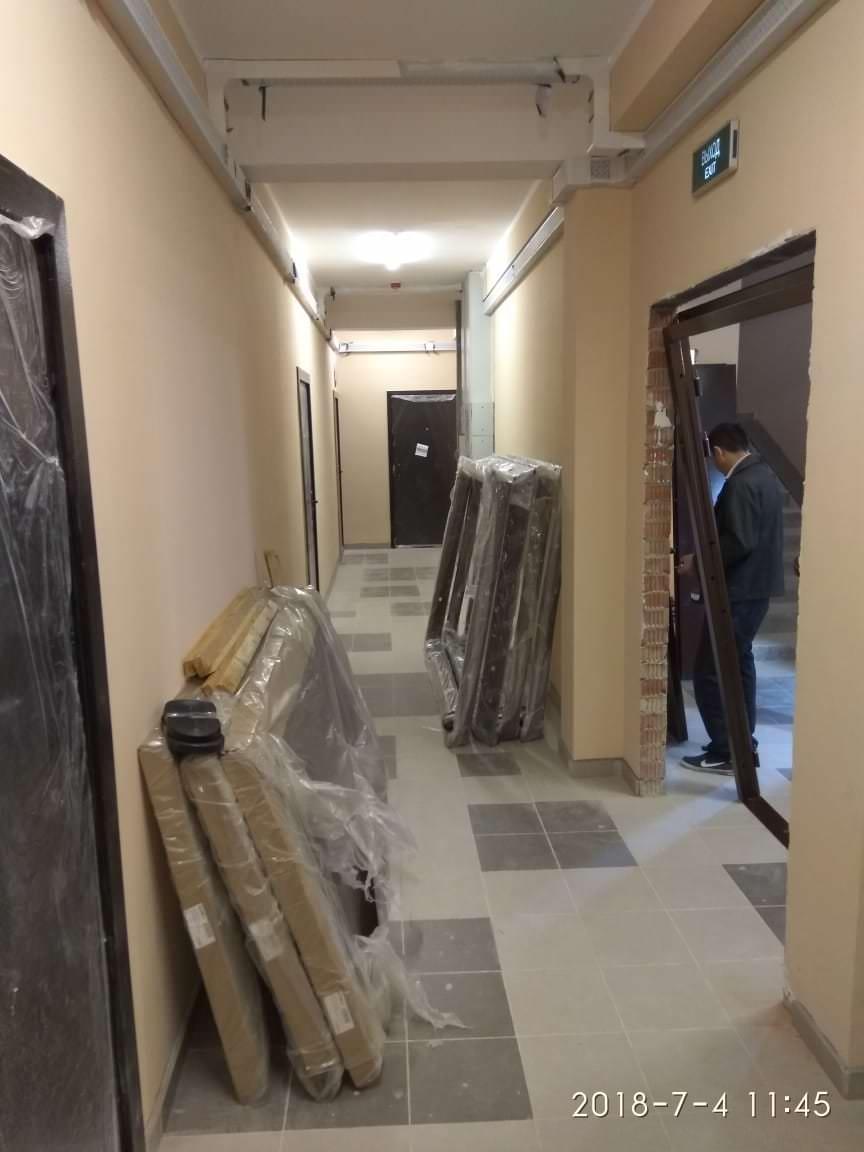 korp 1 ustanovka dverej mopov - Дом 1 - В МОПах завершается установка дверей