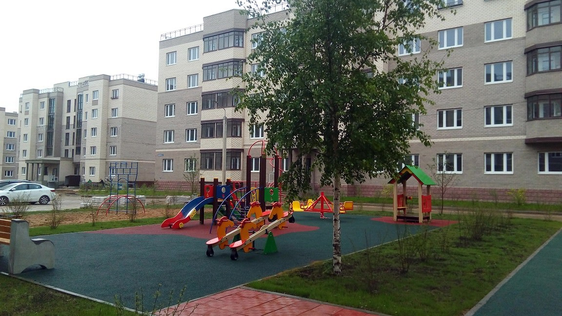 detskaya ploshhadka k 6 - 15 мая 2018 / Территория - Производятся работы по благоустройству во дворе корпуса 6
