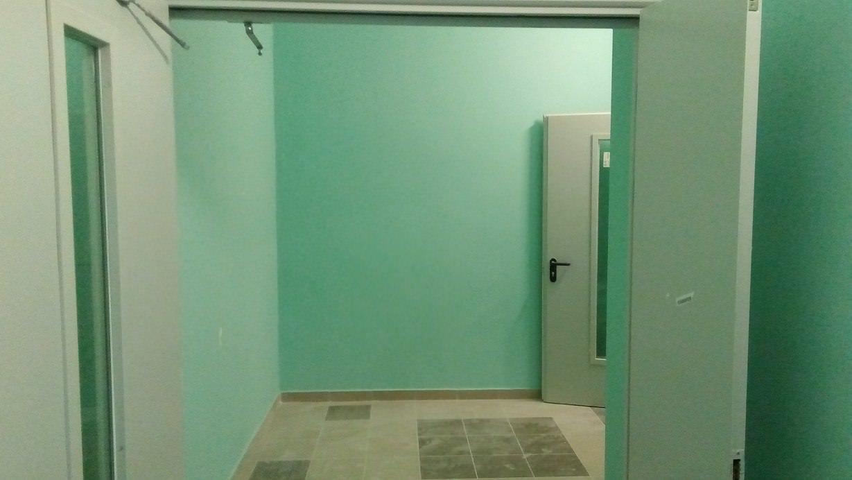 korpus 5 okras - Дом 5 - Завершается окрас стен в МОПах и окололифтовых холлах 1 и 2 секции