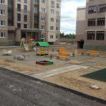 ploshhadka mezhdu k 1 i k 2 150x150 - Дом 1 - в секции 2 производятся работы по окрасу стен МОПов и лестничных пролетов
