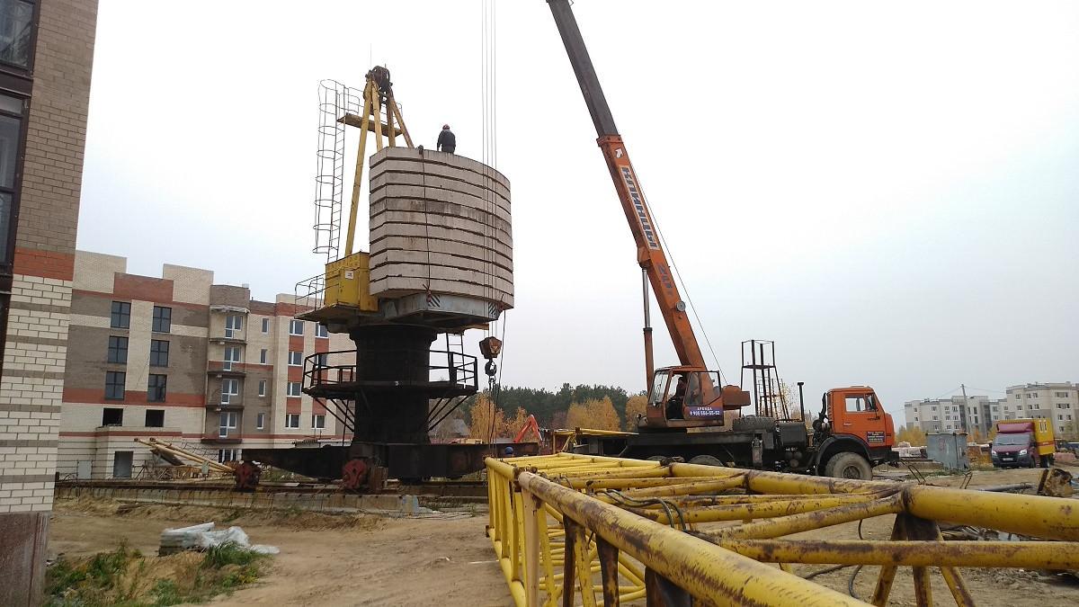 demontazh krana k 10 - 22 октября 2018 / Территория - У корпуса 10 производится демонтаж крана