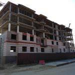 korpus 8s3. 150x150 - Дом 7 - Установлены несущие колонны цокольного и 1-го этажей