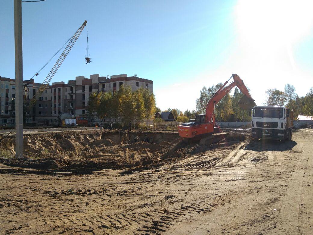 korpus 9 - Дом 9 - Начата выработка грунта под котлован, для производства фундаментных работ.