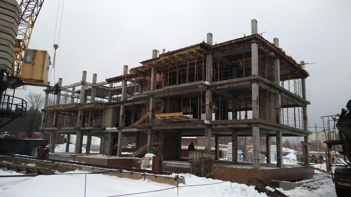 korpus11 - Дом 11 - Установлены фасадные панели цокольного этажа